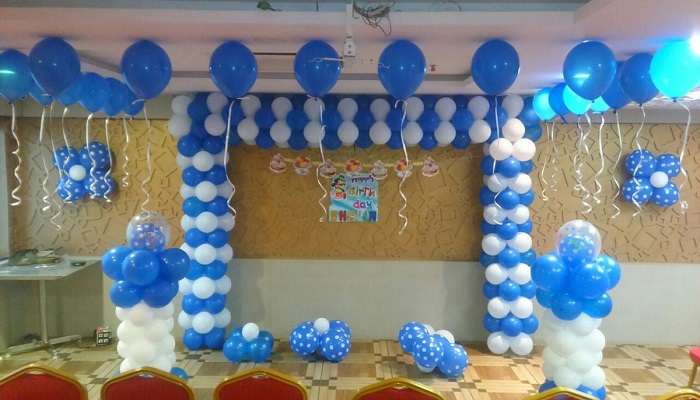 A Surprised Farewell Party with Classroom Decoration